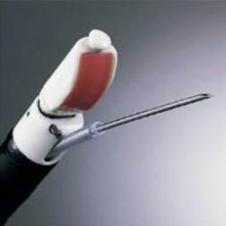 초음파 장비 끝에 세포 채취가 가능한 세침이 달려있다